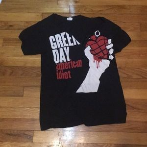Green Day American idiot band tee with a neck line
